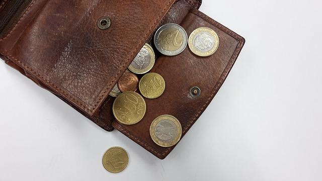 財布の値段の200倍が年収になる!?ワケがない